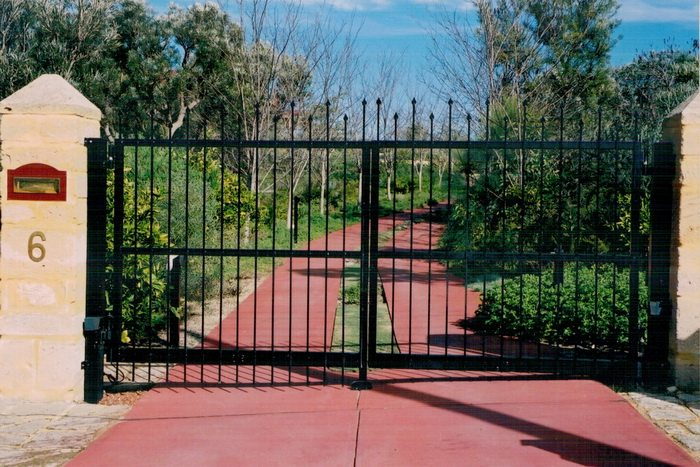 gates-and-driveway004